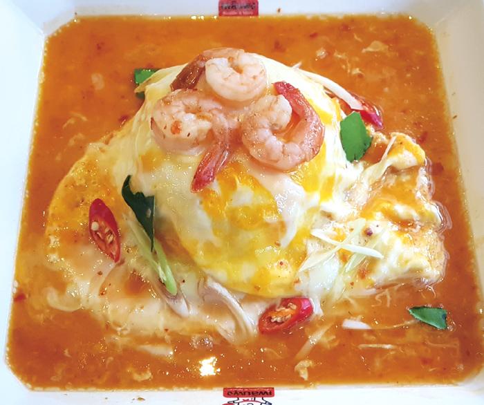ふわとろ卵のトムヤムクンが人気のローカル料理店 - ワイズデジタル【タイで生活する人のための情報サイト】