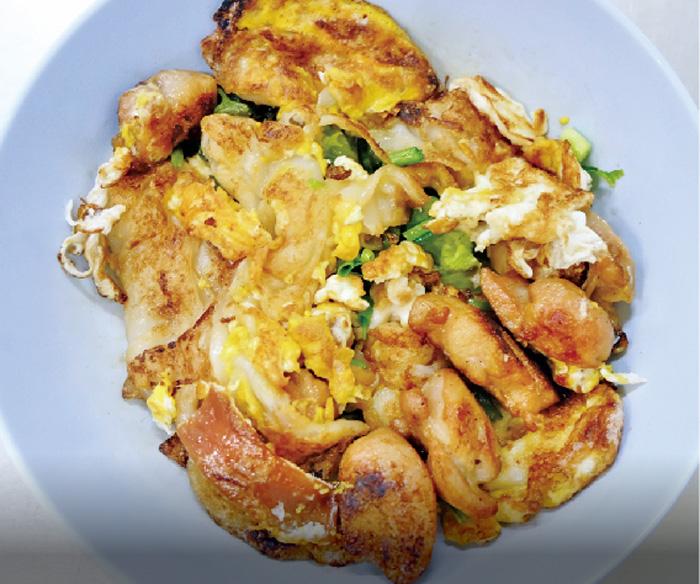 鶏肉の炒め麺 ・・・50B