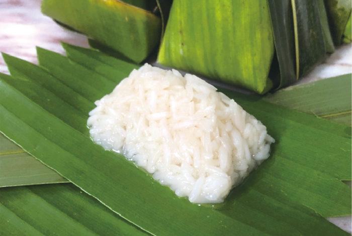 """""""飲む点滴""""として再注目を集める日本古来の発酵飲料「甘酒」。そんな甘酒のように、タイにもお米と麹で作る甘粥があります。"""