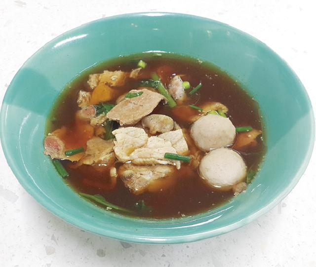 具材の盛り合わせスープ ・・・70B