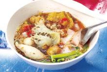 シーロムの超有名店 絶大な人気を誇る麺