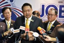 プラユット首相を委員長とする各経済対策委員会は9月、経済再生の核となり得る3つの国民支援計画の存在を明らかにした。