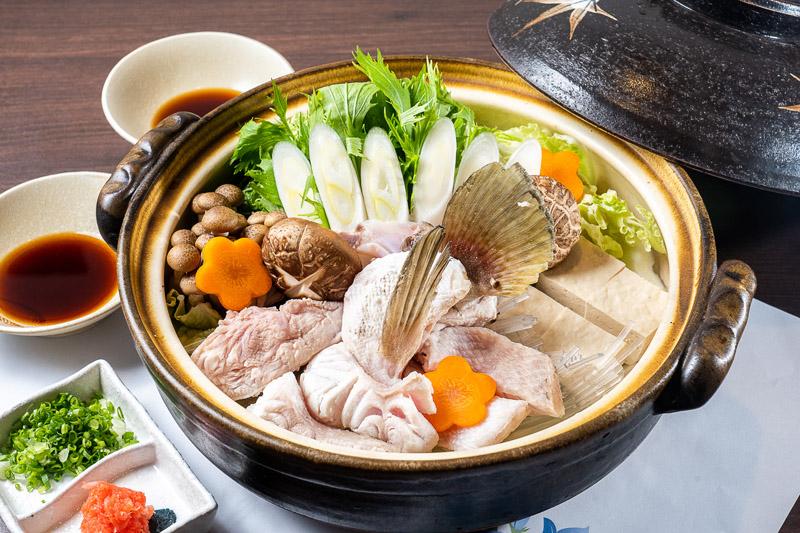 【クエちり鍋 時価】高級魚「ハタ」をふんだんに使った絶品鍋。忘年会用のスペシャルメニュー