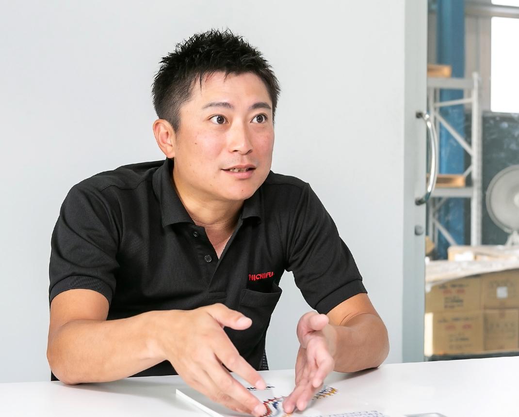 """คุณซาโตชิ คาวาคามิ ผู้บริหารกล่าวว่า """"ตัวสินค้าอาจจะใช้แล้วหมดไป แต่เรื่องคุณภาพของสินค้านั้นเราไม่เป็นสองรองใครอย่างแน่นอน"""""""