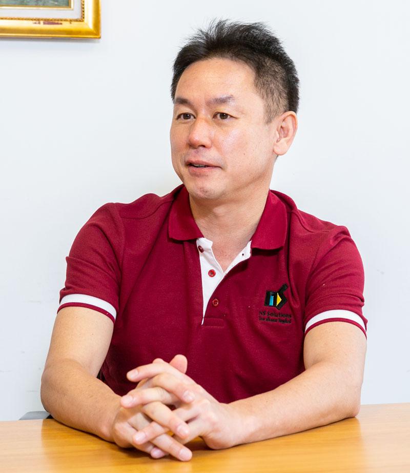 คุณคุโบะ เรียวอิจิ ได้ก่อตั้งบริษัท THAI NS Solutions ในประเทศไทยพร้อมกับเป็นผู้รับผิดชอบฝ่ายเทคนิค และตั้งแต่ปี 2017 ก็ได้ขึ้นดำรงตำแหน่ง Managing Director (MD) ดูแลบริษัททั้งหมด