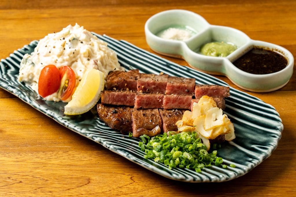 【和牛ステーキ】 贅沢な宮崎牛A5ランクを使用 1,890B