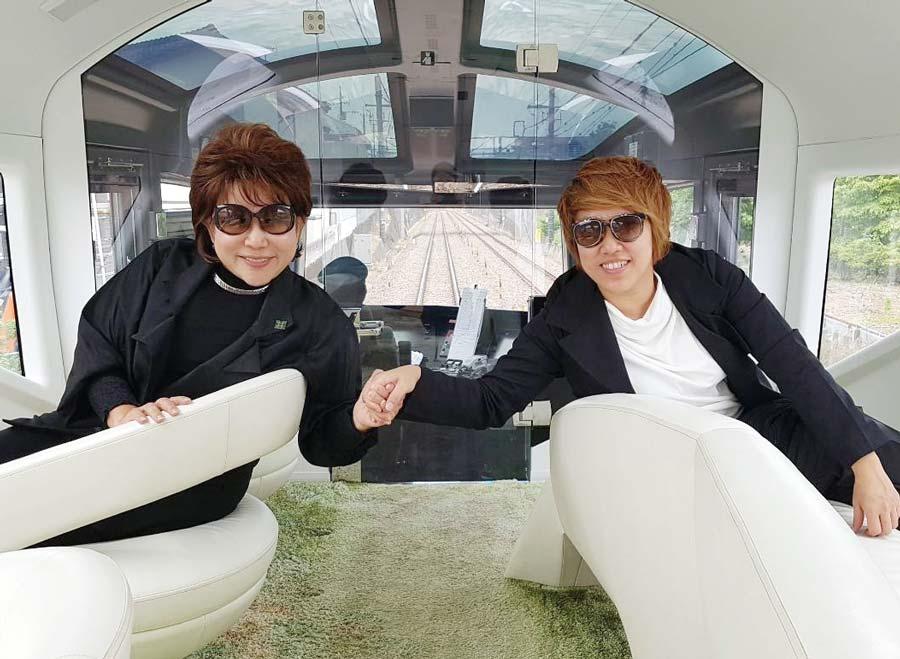 日本各地を訪れるYuriさん。最近では、豪華寝台列車「四季島」を利用して母娘ふたり旅を実現