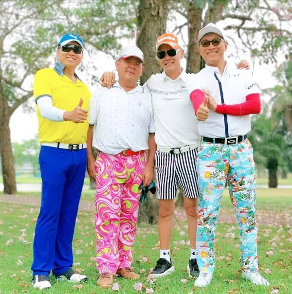 ビジネスパートナーとゴルフ。「誘われたら断りません」(ピヤ氏)