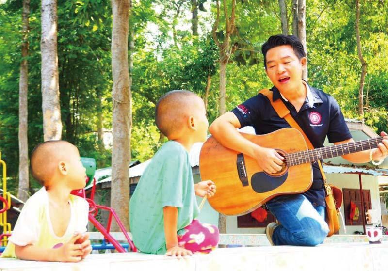タイ国内でも積極的にボランティア活動を行う