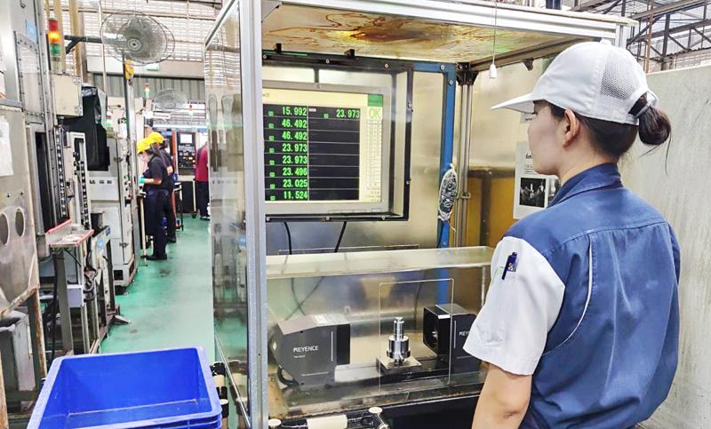 แม้ในสายการผลิตก็สามารถตรวจสอบได้ทุกชิ้น ป้องกันความผิดพลาดต่าง ๆ ได้ด้วยเครื่องมือวัดขนาดโดยการประมวลผลภาพ