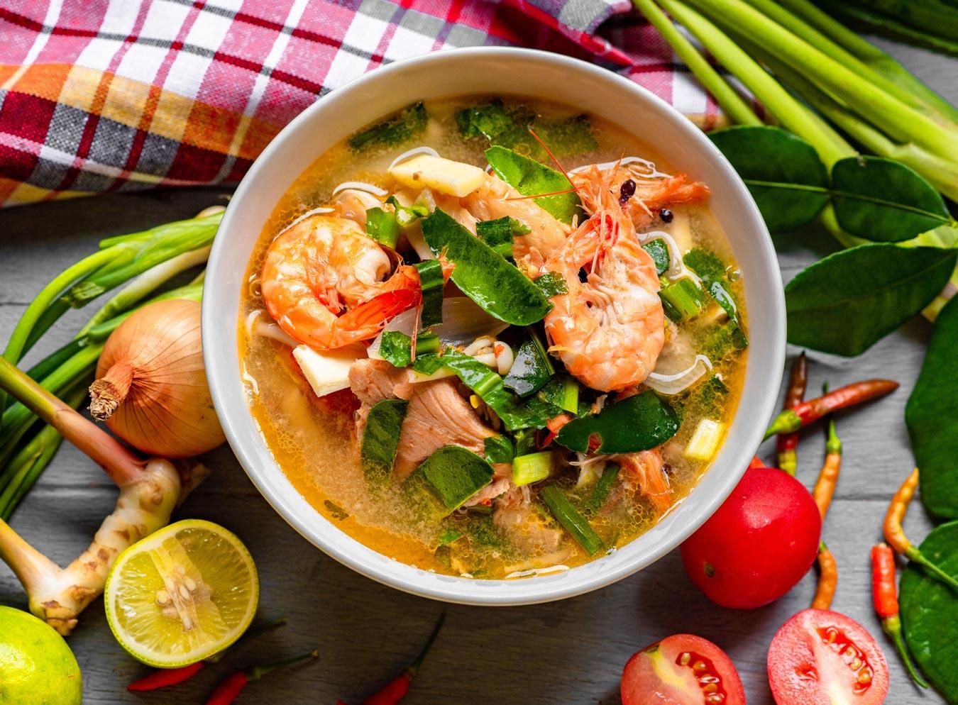 タイ政府は今年、トムヤムクンの無形文化遺産登録を目指している。トムヤムクンは、世界的にも知名度が高い、中部の川や運河沿いの農業コミュニティから生まれたタイの国民的料理。