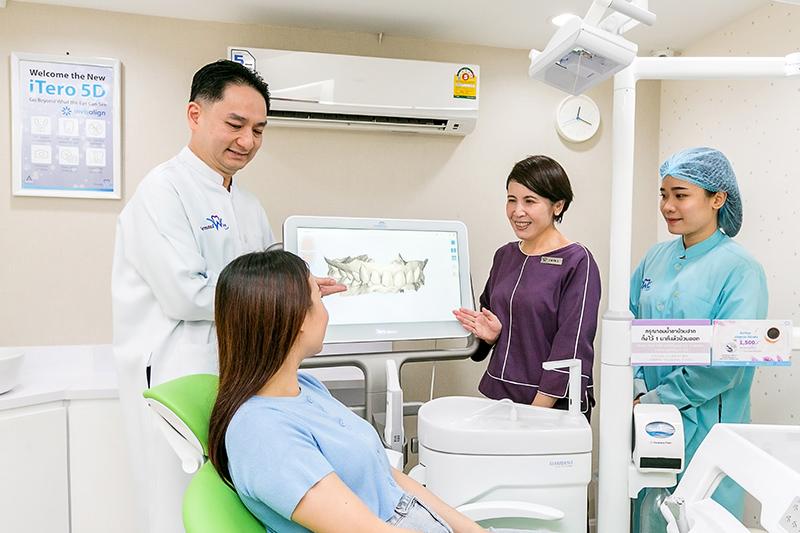 患者に親身となった丁寧なカウンセリング。日本人通訳が常駐するので言葉の心配もない
