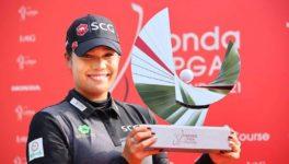 6~9日に開催された「HONDA LPGA THAILAND 2021」で、アリヤ・ジュタヌガンが通算22アンダーでタイ人選手として大会初の優勝を飾った。日本勢は河本と上原が23位、畑岡が31位、渋野が34位だった。