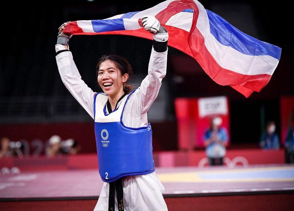 7月24日、女子テコンドーのタイ代表ウォンパタナキト・パニパク選手が、49キロ女子部門で優勝。同種目でタイ初の金メダルを獲得。各方面から称賛の声が送られた。(P9に関連記事)