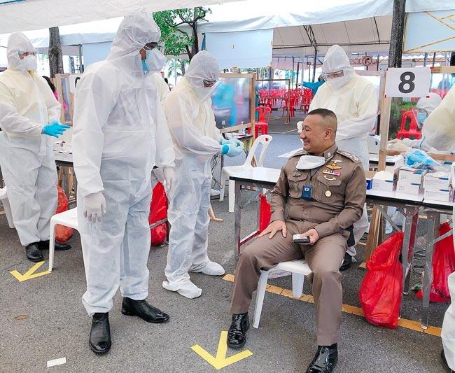 警察による積極的なコロナ検査「抜き打ち」で陽性なら病院へ - ワイズデジタル【タイで生活する人のための情報サイト】