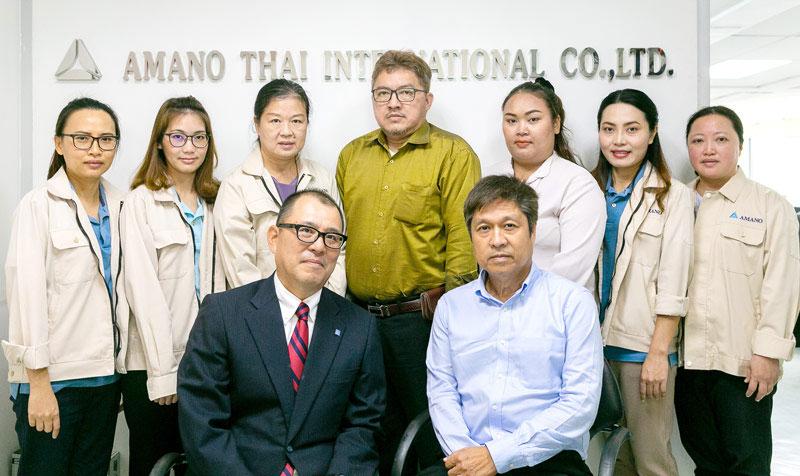 แผนกบัญชีและธุรการ กับคุณอิโต, MD. และคุณวิชาญ อรุณมานะกุล, GM. - AMANO THAI INTERNATIONAL CO., LTD.