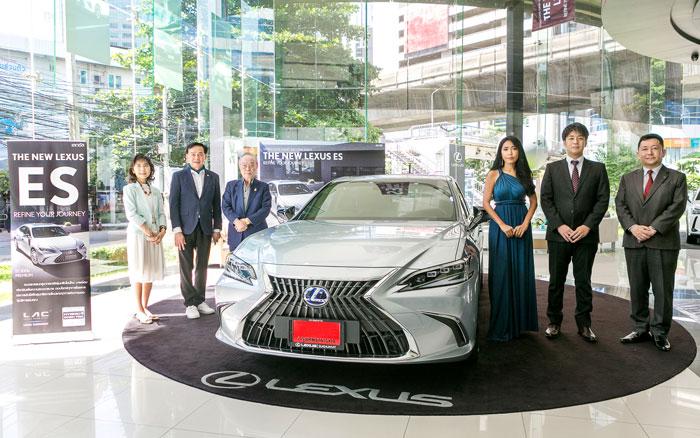 新型LEXUS ES300h輸入1台目が日本人の手に - ワイズデジタル【タイで生活する人のための情報サイト】