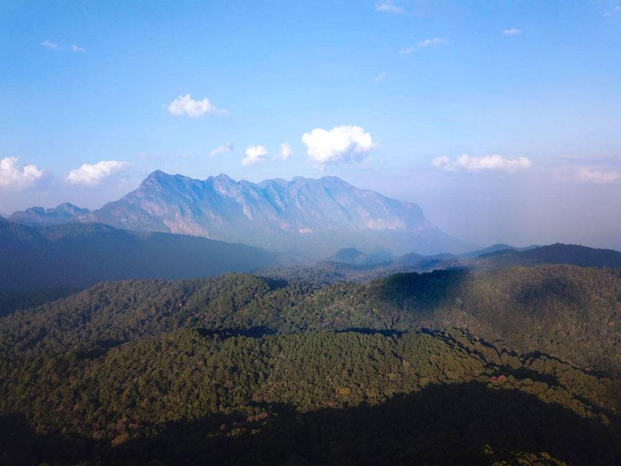 15日、チェンマイ県のドイ・チェンダオが「ユネスコエコパーク(生物圏保存地域)」に認定された。多様な生態系や森林環境保全が評価され、国内では5カ所目となる。