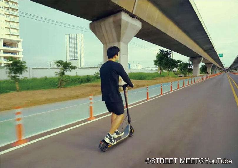 車道を走っている「電動キックボード」って? - ワイズデジタル【タイで生活する人のための情報サイト】