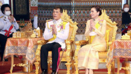 10月13日の「ラマ9世記念日」国王陛下参列の追悼式典を実施 - ワイズデジタル【タイで生活する人のための情報サイト】
